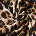 Lingerie sexy da boneca da mulher do leopardo