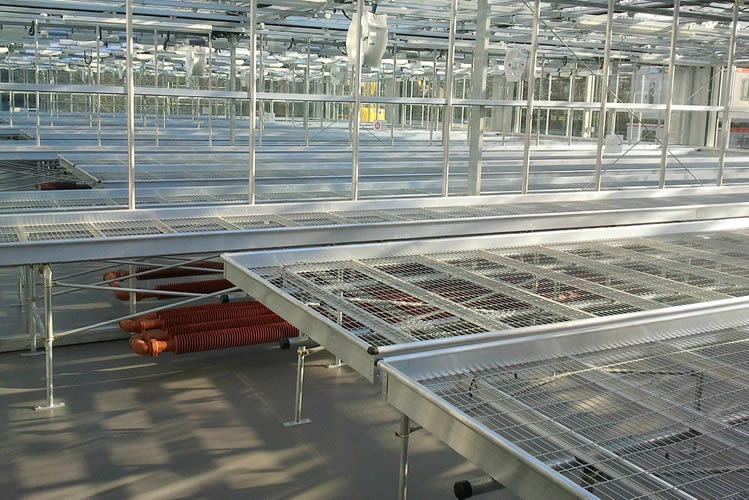 Steel greenhouse rolling benches extremely durable