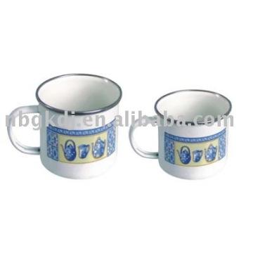 caneca de porcelana com alça, aro SS e tampa PP