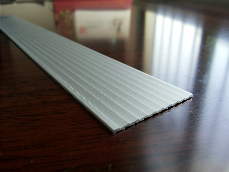 Parabolic louvers fluorescent lighting