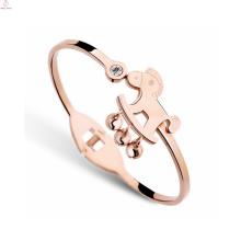 Мода повезло Кристалл маленький колокольчик лошадь Браслет, розовое золото покрытие из нержавеющей стали 316L лошадь Браслет