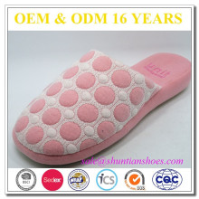 New design pink dot fabric room fancy slipper for girl