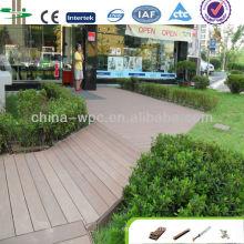 construção ao ar livre de convés de WPC