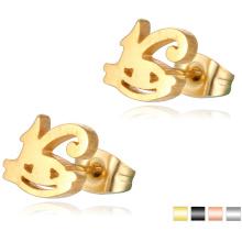 Les boucles d'oreille simples simples perdues de conception d'acier inoxydable de la mode 18K d'or ont coupé le goujon d'oreille de forme
