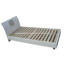 Holz-Bett
