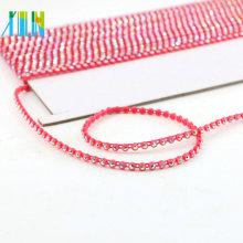 GBA011 chaîne en plastique garniture strass en gros par la cour