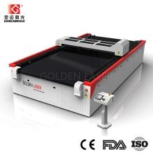 자동 급지대와 섬유 레이저 커터