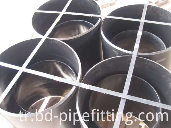 Alloy pipe fitting (261)