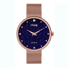 Montre en or rose en forme de dame
