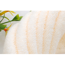 Plain Dyed Towels mit Dot Dekoration