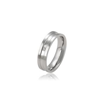 15855 Xuping fashion simple titane bijoux bague de conception simple bague avec CZ synthétique