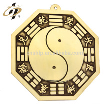 Neue Designs benutzerdefinierte Metall Casting Gold chinesischen Geschenk Fengshui Taiji-Bagua Ying-Yang Amulett Anhänger