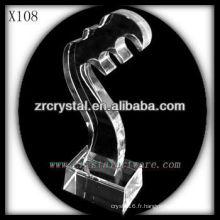 design attrayant blanc trophée en cristal X108
