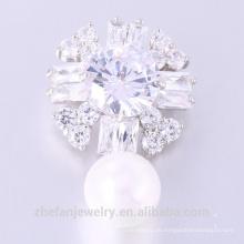 Neuester Entwurf Zircon-Brosche-reizende Frauen-Blumen-Perlen-Brosche