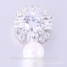 O mais novo design Zircon Broche Lovely Woman Flower Pearl Broche