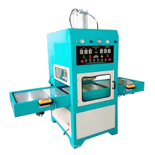 Máquina soldadora de alta frecuencia para bolsa de agua caliente.
