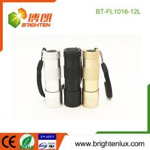 Fuente de fábrica 3 * AAA batería seca Powered bolsillo promocional baratos 12 linterna LED de venta al por mayor