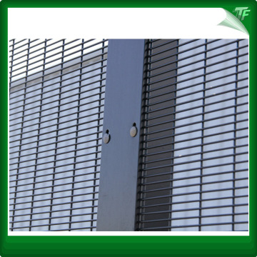 High security 358 mesh fencing