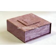 Nuevo Diseño Exquisito Retrostyle Cosméticos Embalaje Caja de papel de regalo con puerta de medio para la pantalla