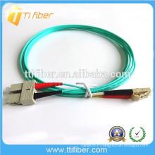 Cordon de raccordement fibre optique OM3 10Gb SC / LC intérieur