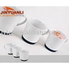 tasse à café avec base en silicone