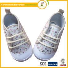 Emballage multifonctionnel en gros chaussures en cuir floral fleur blanche avec certificat CE