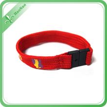 Bracelets de sublimation adaptés aux besoins du client de vente chaude avec des crochets instantanés en plastique