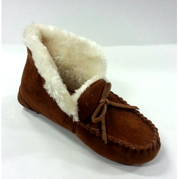 Woman′s Moccasin Shoes with Tied in a Bow