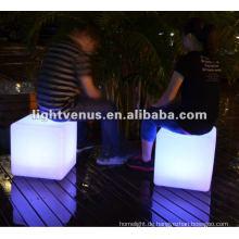 Nachtgefühl, das LED-Würfel-Stuhl verursacht