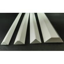 Tiras da chanfradura do PVC / faixas da madeira da construção / tiras madeira do triângulo / tiras da chanfradura