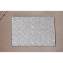 Checkered Aluminum Plate with 3 Bars
