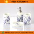Blaues Blumen-Abziehbild-Porzellan-Badezimmer-Satz Großverkauf
