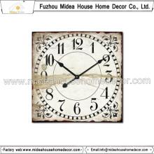Horloge en bois rétro en forme rectangulaire