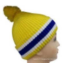 Bonnet tricoté avec rayures tricotées NTD1653