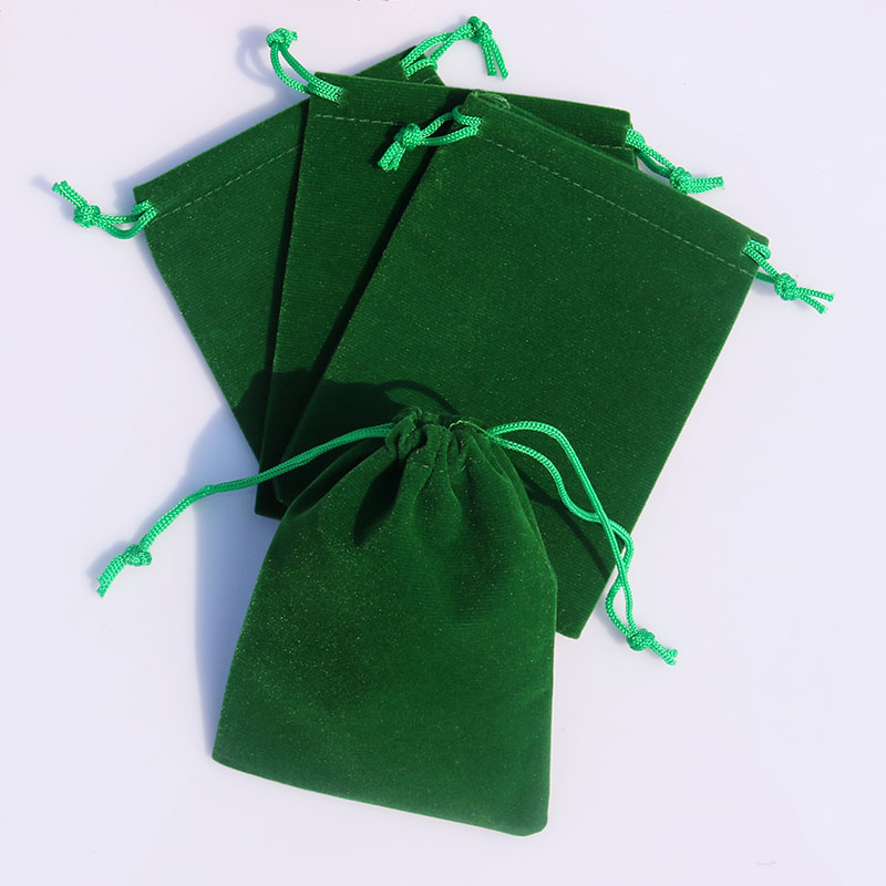 Pretty velvet packaging pouch bag from China supplier