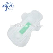 Exportateur de serviette hygiénique respirable de forme ailé verte de puce Lady Anion