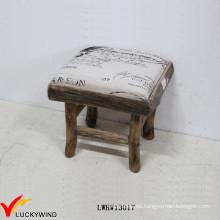 Taburete de madera tapizado cuadrado pequeño de Eco