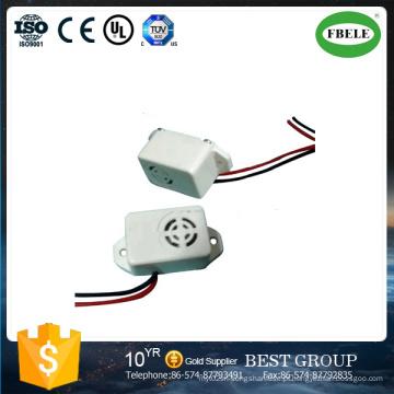 Forma branca de Shell da campainha eléctrica dos acessórios da desintegração da flor da ameixa 22 * 16 * 14