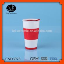 Copa de cerámica taza de viaje con tapa de plástico y manga de silicona, cerámica de cerámica por mayor taza de café con tapa de silicona y tapa