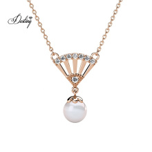 Fashion Women Jewelry Pearl and Crystal Ingride Fan Pendant Necklace