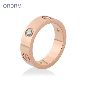 Unik Rose Gold Wedding Band Cubic Zirconia