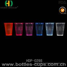 Tasse en plastique jetable en plastique de boisson d'eau au néon