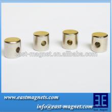 Imanes de la tierra rara del cilindro con el agujero en la dirección del grueso / el imán del cilindro del ndfeb para la venta
