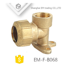 EM-F-B068 Spanien 90 Grad Pex Fitting mit Messing Drop Ear Ellbogenrohr