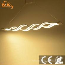 Lampe suspendue décorative moderne de courbe de LED allumant la lumière pendante