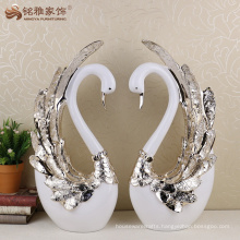 Handmade resin decorative swans statue wedding decoration