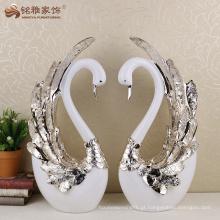 Decoração de casamento de estátua de cisnes decorativa de resina artesanal