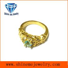 Oro de la joyería de la manera plateado con el anillo de fundición de piedra