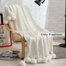 Manta de cachemir de venta caliente con manta suave de invierno blanco de punto pompón