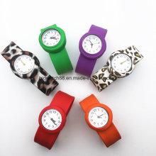 Reloj pequeño de la palmada de los niños de los cabritos del deporte del cuarzo del reloj de la jalea del reloj del adolescente